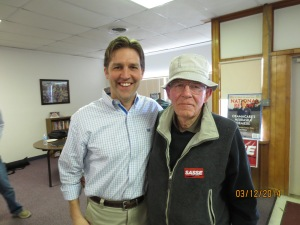 Ben Sasse visits with Lou Algayer in Elmwood.
